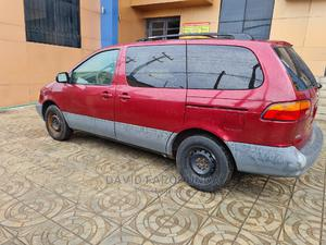Toyota Sienna 2000 LE & 1 Hatch Burgandy | Cars for sale in Lagos State, Ikeja