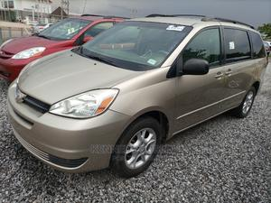 Toyota Sienna 2005 LE AWD Gold   Cars for sale in Abuja (FCT) State, Jahi