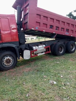 A Very Clean Few Month Used Howo Truck for Grabs .   Trucks & Trailers for sale in Abuja (FCT) State, Wuse