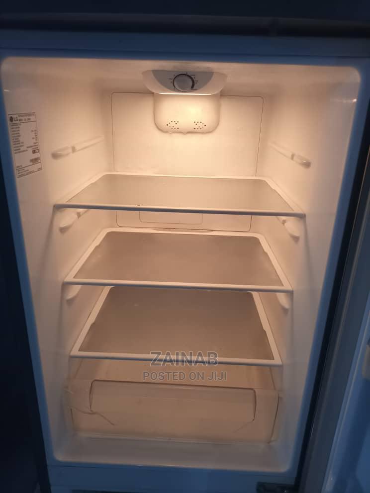 Archive: LG 227L Refrigerator With Bottom Freezer