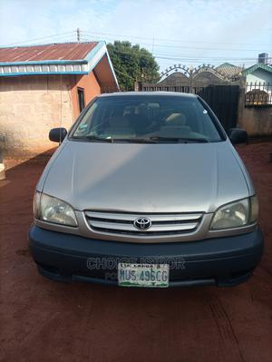Toyota Sienna 2002 Gold | Cars for sale in Edo State, Benin City
