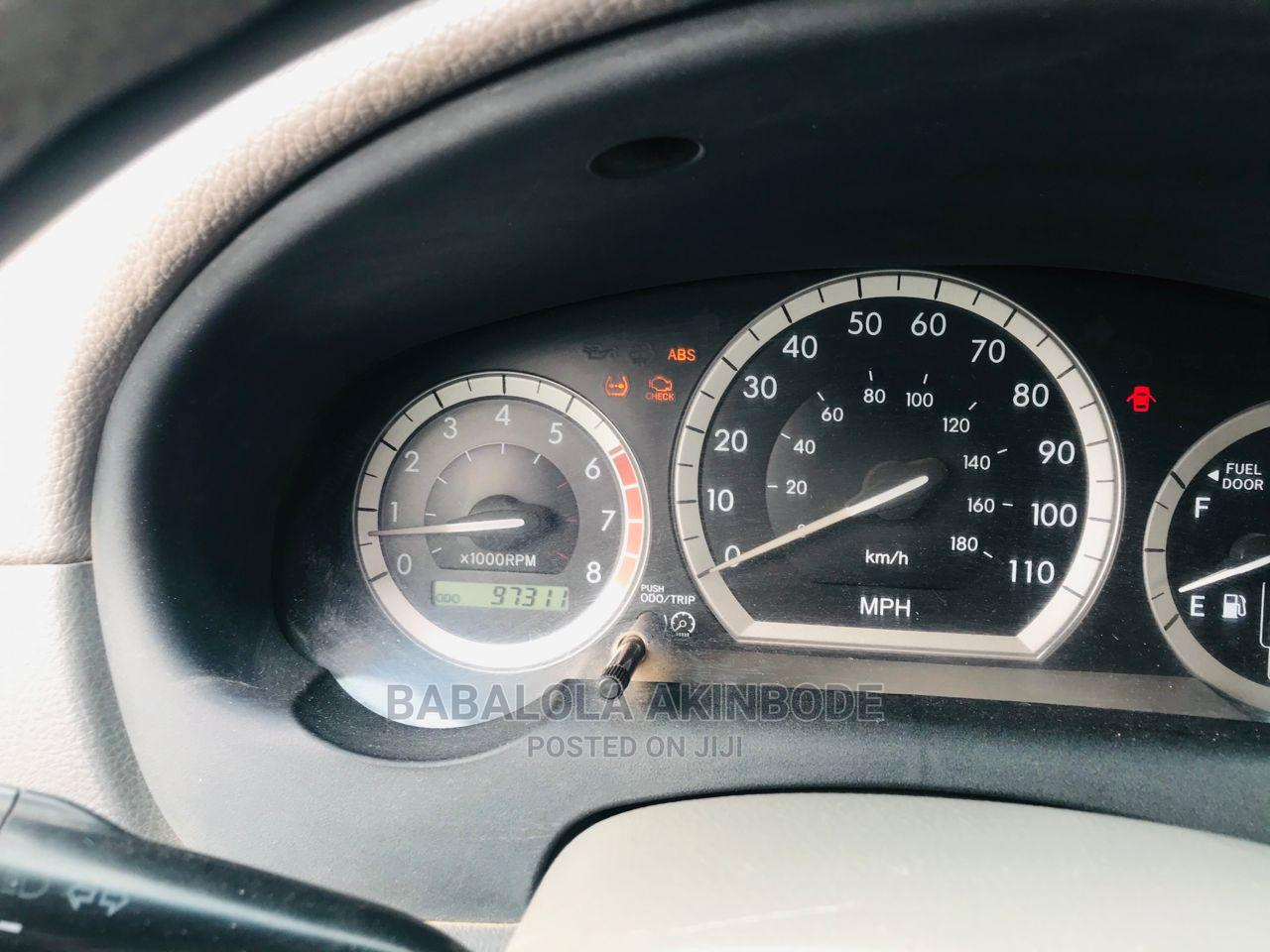 Toyota Sienna 2005 LE AWD Gold   Cars for sale in Ogba, Lagos State, Nigeria