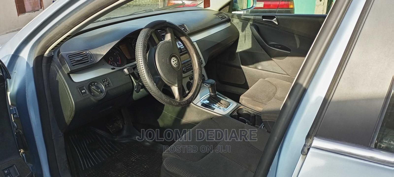 Volkswagen Passat 2009 1.9 TDi Comfortline Blue | Cars for sale in Amuwo-Odofin, Lagos State, Nigeria