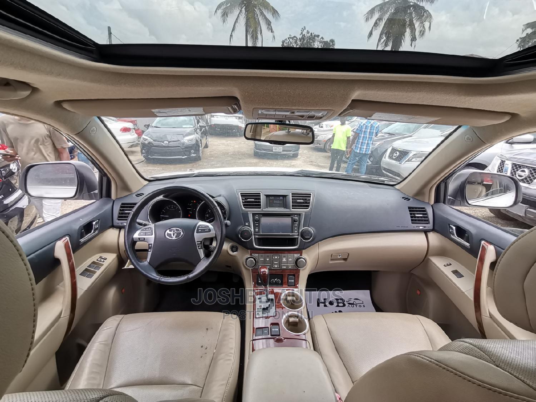 Toyota Highlander 2013 White | Cars for sale in Ikeja, Lagos State, Nigeria