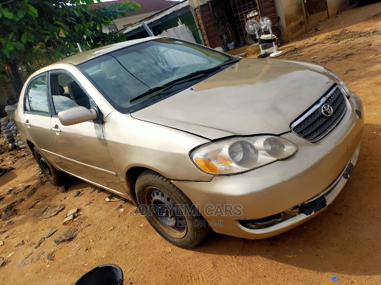 Toyota Corolla 2006 Gold   Cars for sale in Ifako-Ijaiye, Lagos State, Nigeria