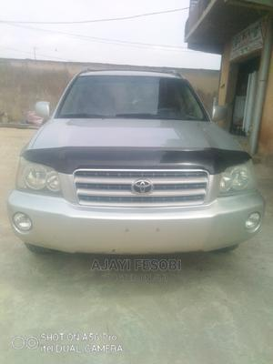 Toyota Highlander 2004 V6 AWD Silver | Cars for sale in Lagos State, Ejigbo