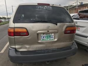 Toyota Sienna 1999 CE Gold   Cars for sale in Lagos State, Ikeja