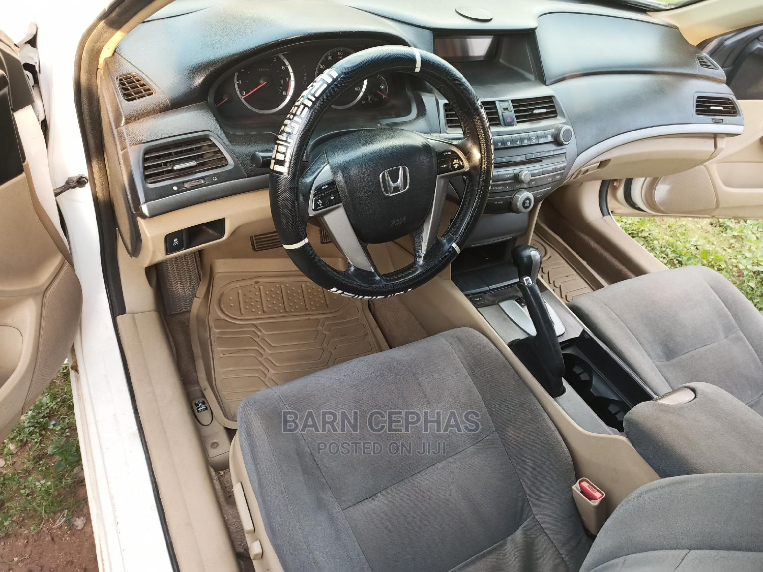 Honda Accord 2011 Sedan EX-L White   Cars for sale in Central Business District, Abuja (FCT) State, Nigeria