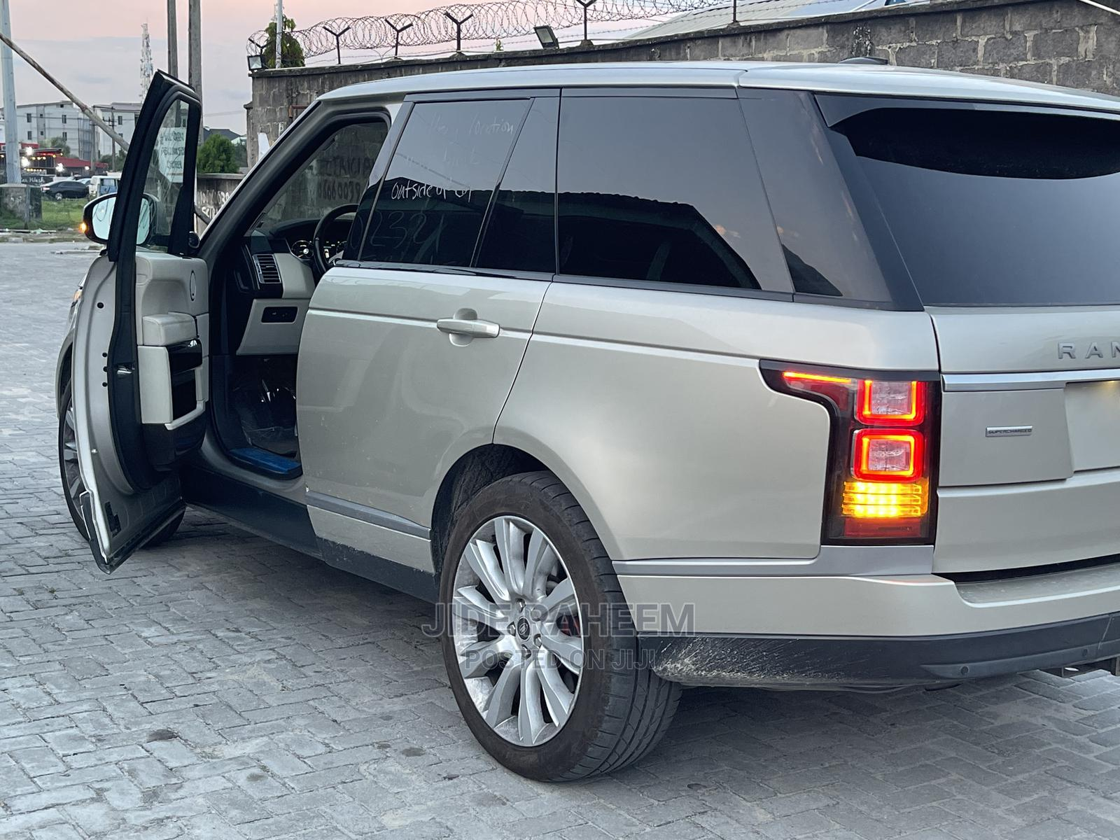 Land Rover Range Rover 2013 Gold | Cars for sale in Lekki, Lagos State, Nigeria