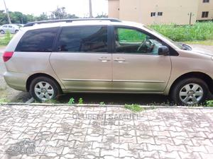 Toyota Sienna 2004 LE FWD (3.3L V6 5A) Gold | Cars for sale in Osun State, Ife