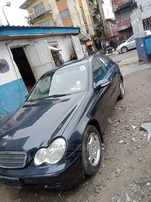 Mercedes-Benz C200 2003 Blue | Cars for sale in Lagos State, Apapa