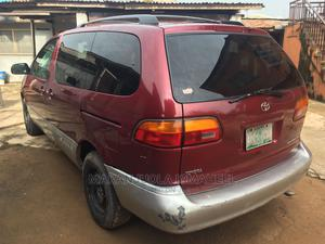 Toyota Sienna 2000 LE & 1 Hatch Red | Cars for sale in Lagos State, Alimosho