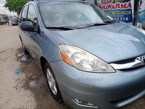 Toyota Sienna 2009 LE Beige | Cars for sale in Lagos State, Gbagada