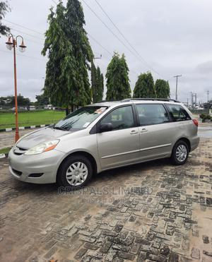 Toyota Sienna 2009 CE Silver | Cars for sale in Lagos State, Ajah