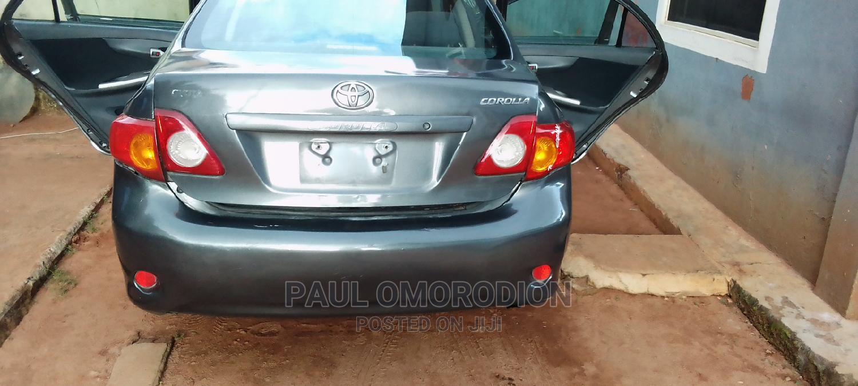Toyota Corolla 2009 Gray