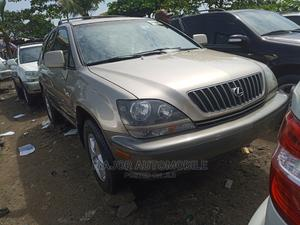 Lexus RX 2000 300 2WD Gold   Cars for sale in Lagos State, Apapa