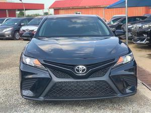 Toyota Camry 2018 SE FWD (2.5L 4cyl 8AM) Black | Cars for sale in Abuja (FCT) State, Mabushi