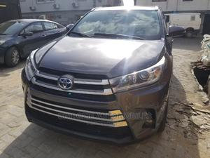 Toyota Highlander 2018 XLE 4x4 V6 (3.5L 6cyl 8A) Gray   Cars for sale in Lagos State, Amuwo-Odofin