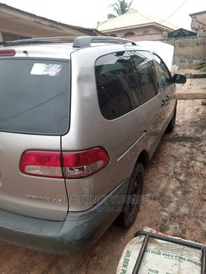 Toyota Sienna 2002 LE Silver   Cars for sale in Oyo State, Ibadan