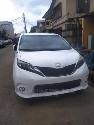 Toyota Sienna 2012 7 Passenger White | Cars for sale in Edo State, Benin City