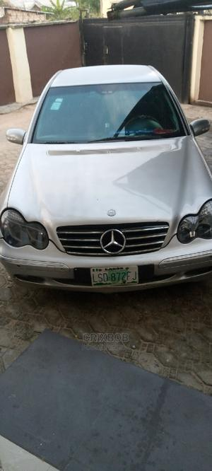 Mercedes-Benz C200 2003 Silver | Cars for sale in Delta State, Ugheli
