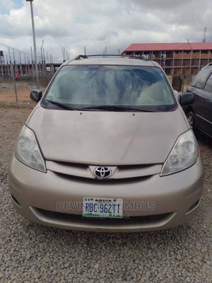 Toyota Sienna 2005 Gold | Cars for sale in Abuja (FCT) State, Kubwa