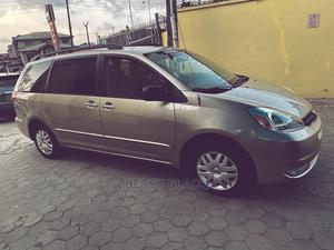Toyota Sienna 2005 XLE Silver   Cars for sale in Lagos State, Ikorodu