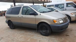 Toyota Sienna 2002 LE Gold   Cars for sale in Osun State, Ede