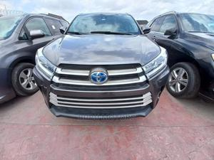 Toyota Highlander 2018 XLE 4x2 V6 (3.5L 6cyl 8A) Gray | Cars for sale in Lagos State, Ikeja