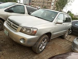 Toyota Highlander 2004 V6 AWD Silver | Cars for sale in Lagos State, Ikeja