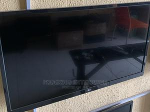32-Inch LG LED TV for Sale   TV & DVD Equipment for sale in Oyo State, Ibadan