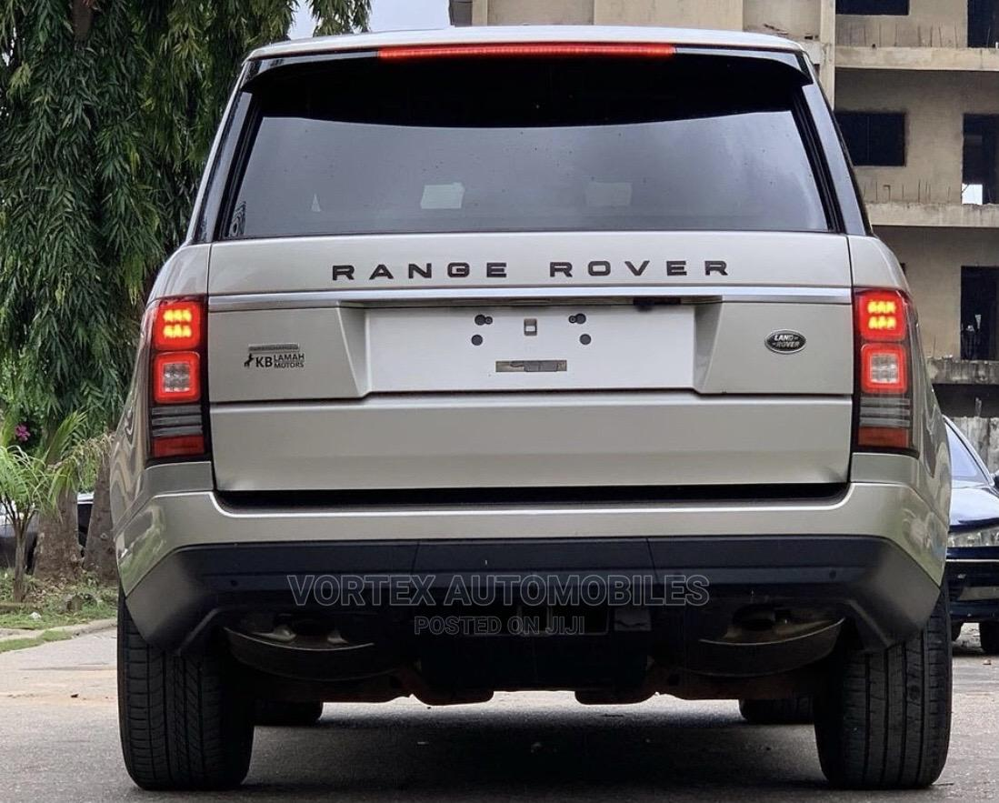 Archive: Land Rover Range Rover 2014 Gold