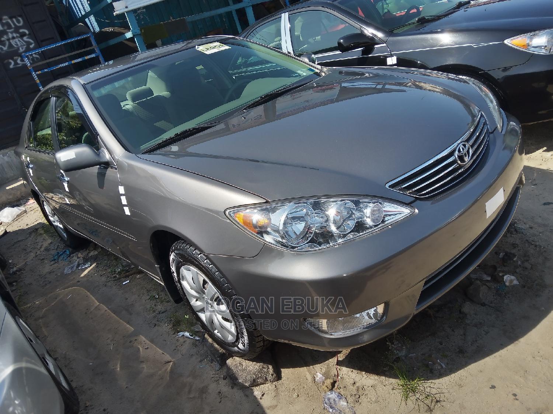 Toyota Camry 2006 Gray