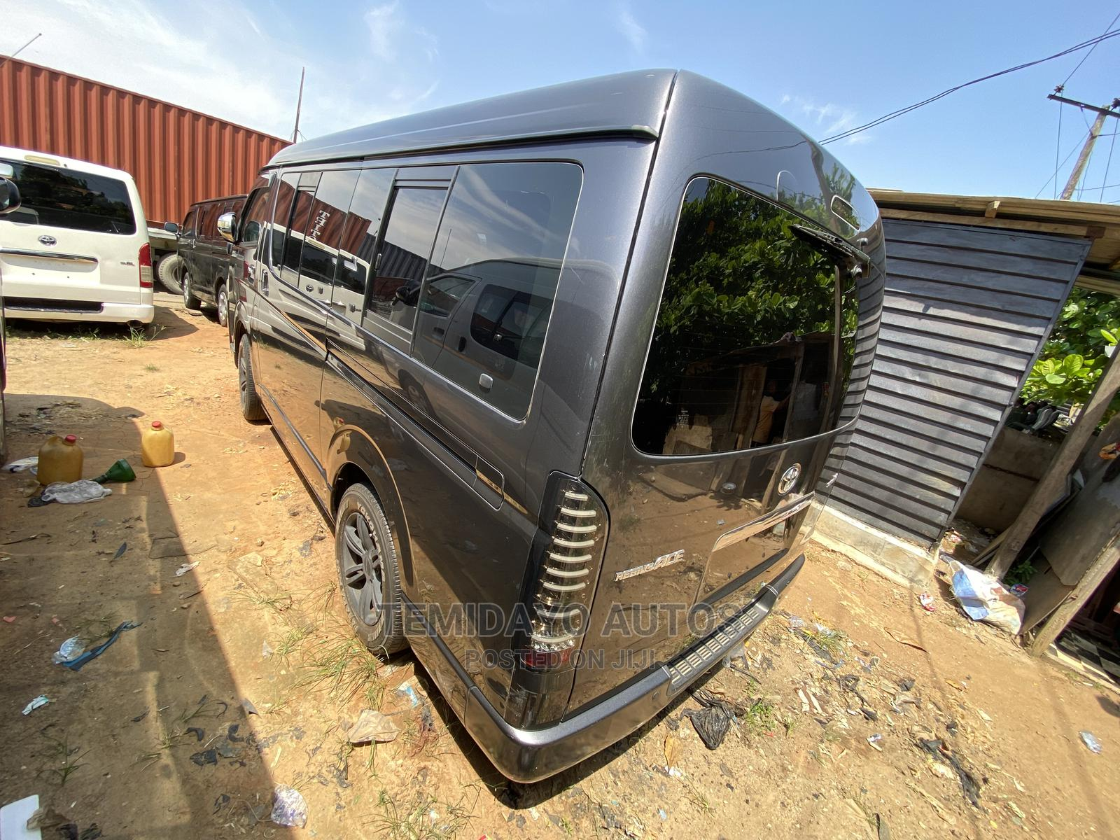 Toyota HHiace 2014 Gray   Buses & Microbuses for sale in Apapa, Lagos State, Nigeria