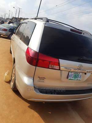 Toyota Sienna 2005 Silver | Cars for sale in Lagos State, Ipaja