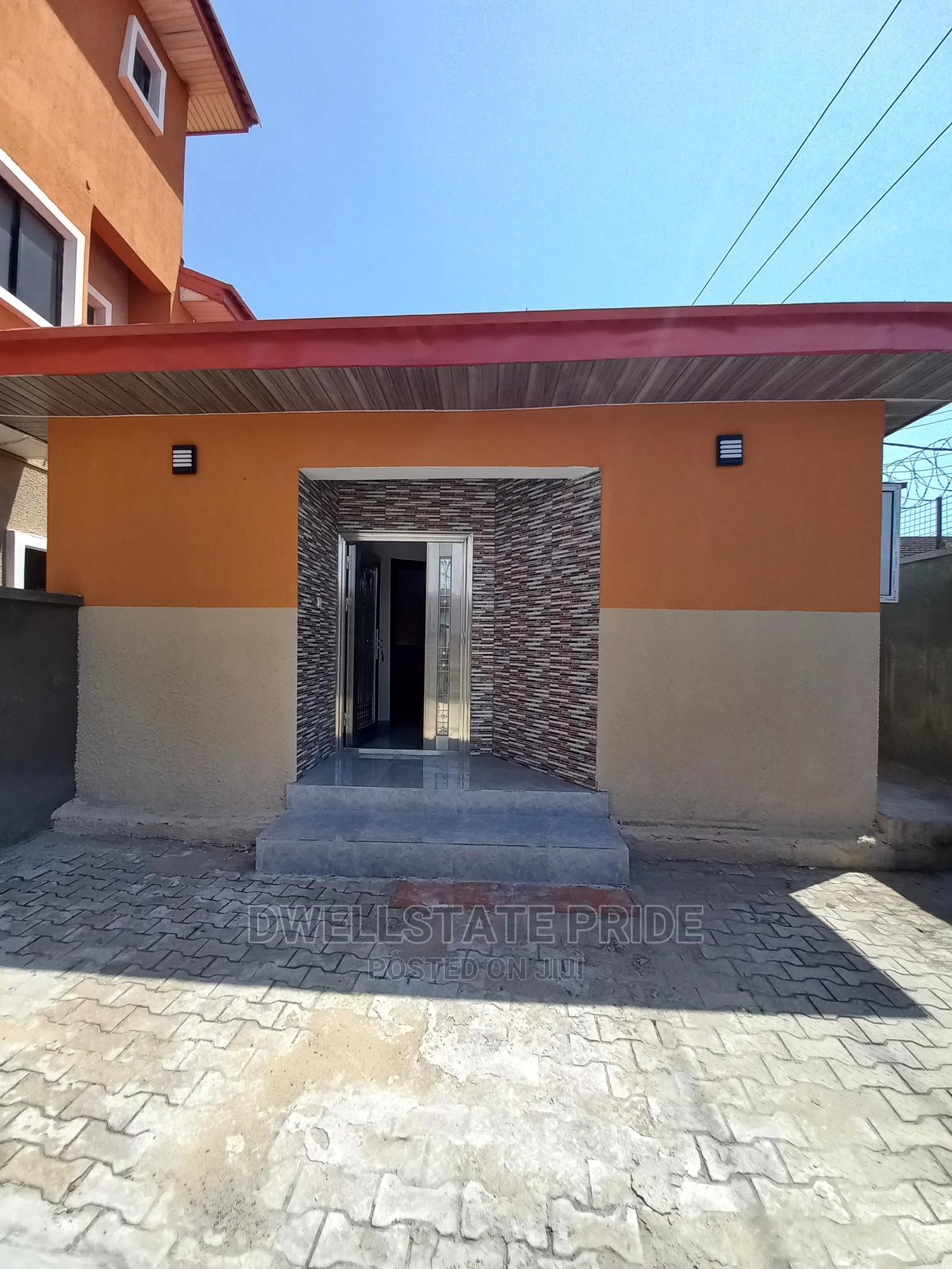 2bdrm House in Lekki Phase 1 for Rent