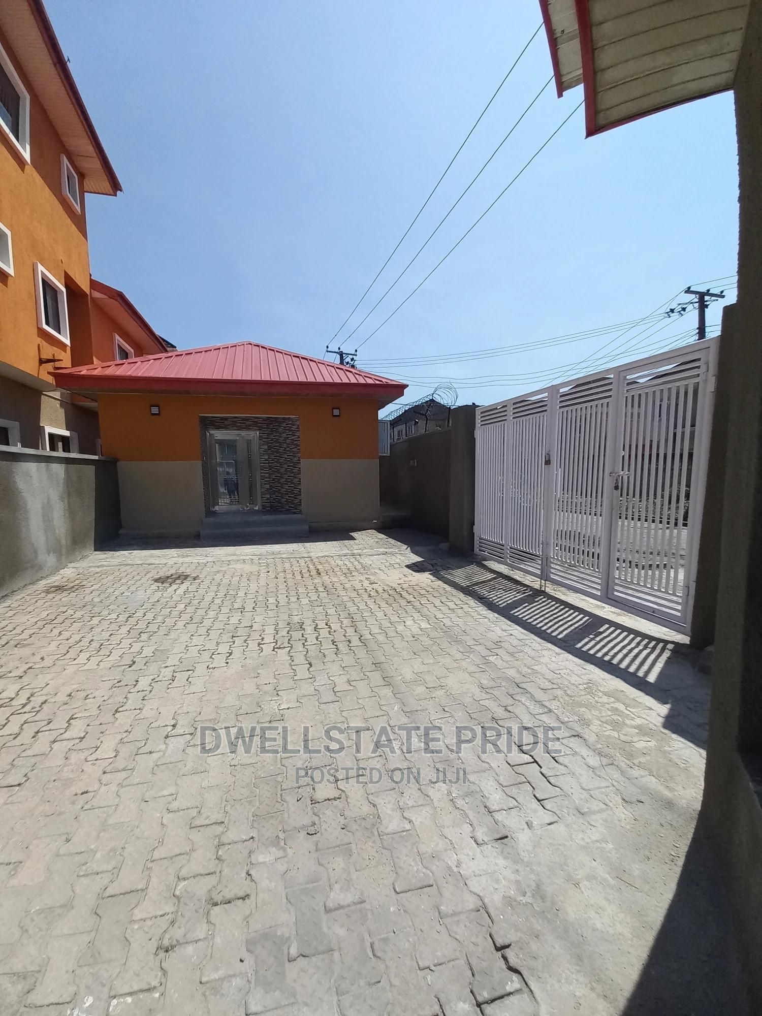 2bdrm House in Lekki Phase 1 for Rent | Houses & Apartments For Rent for sale in Lekki Phase 1, Lekki, Nigeria
