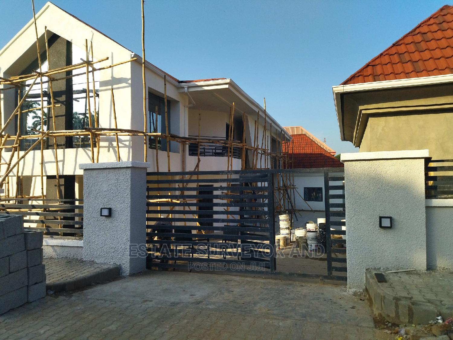 Archive: 3bdrm Bungalow in Wuse 2 for Rent