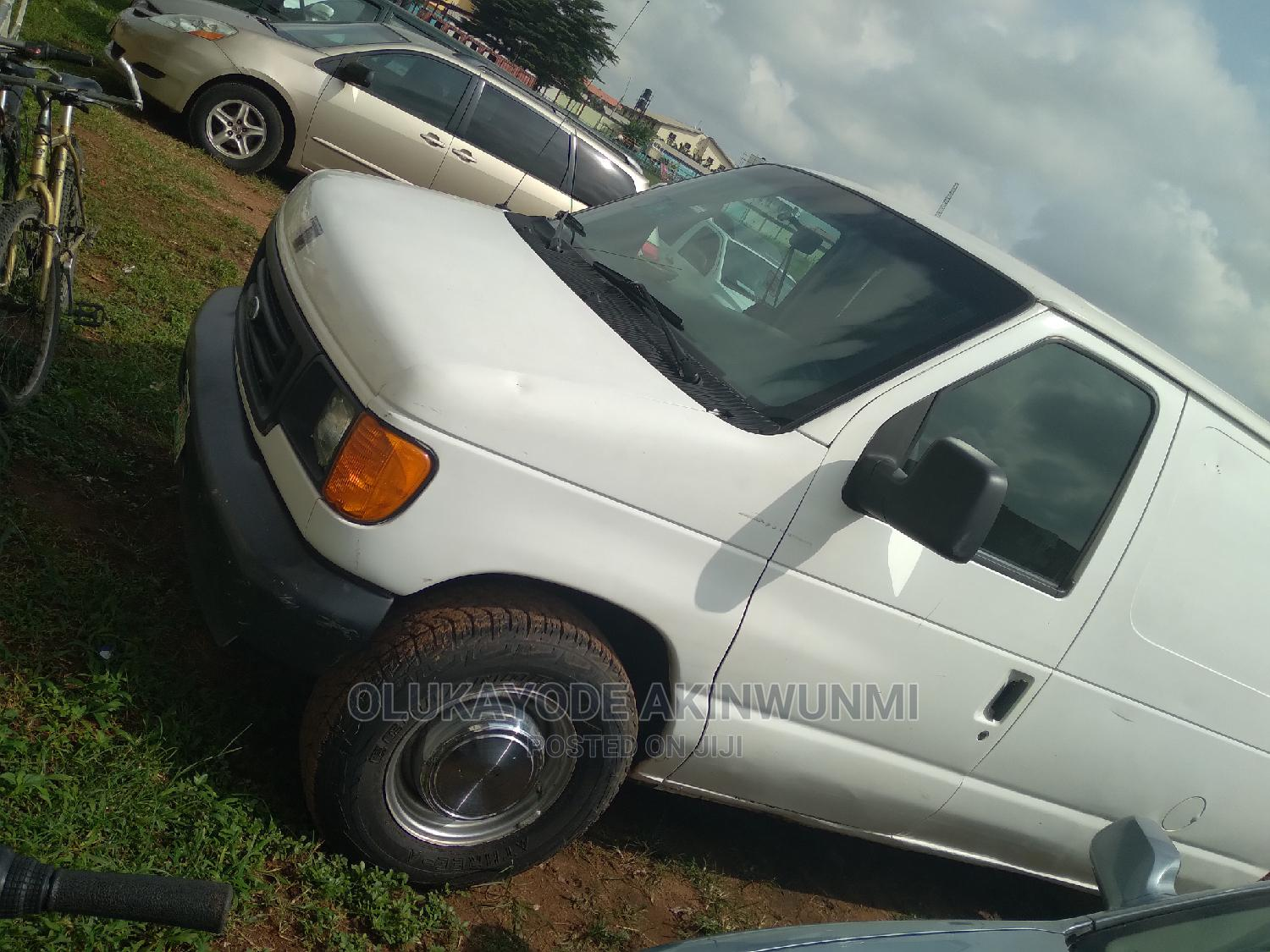 Clean Ford E250   Buses & Microbuses for sale in Ikeja, Lagos State, Nigeria