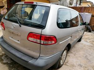 Toyota Sienna 2003 CE Silver | Cars for sale in Lagos State, Agege