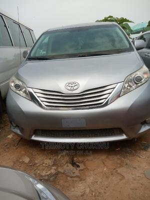Toyota Sienna 2011 Silver | Cars for sale in Abuja (FCT) State, Gaduwa