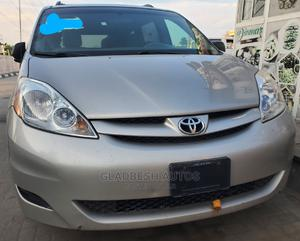Toyota Sienna 2009 CE AWD Silver | Cars for sale in Lagos State, Ajah