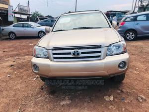 Toyota Highlander 2004 Limited V6 FWD Gold   Cars for sale in Lagos State, Ogba