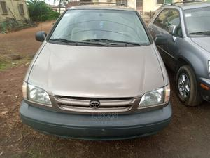 Toyota Sienna 2000 LE & 1 Hatch Brown | Cars for sale in Lagos State, Agege