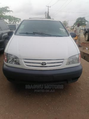 Toyota Sienna 2002 LE White   Cars for sale in Lagos State, Ojo