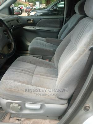 Toyota Sienna 2002 LE Gold   Cars for sale in Abuja (FCT) State, Karu