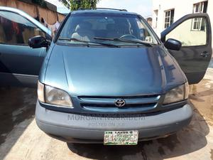 Toyota Sienna 2000 LE & 1 Hatch Blue | Cars for sale in Lagos State, Ikorodu