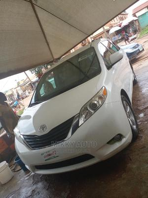 Toyota Sienna 2011 LE 7 Passenger Mobility White | Cars for sale in Oyo State, Lagelu