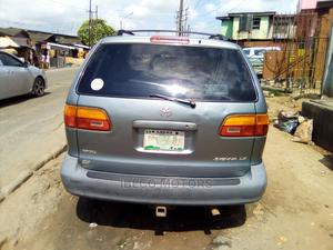 Toyota Sienna 2000 LE & 1 Hatch Green | Cars for sale in Lagos State, Amuwo-Odofin