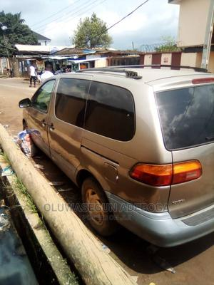 Toyota Sienna 1999 CE Gold   Cars for sale in Lagos State, Alimosho